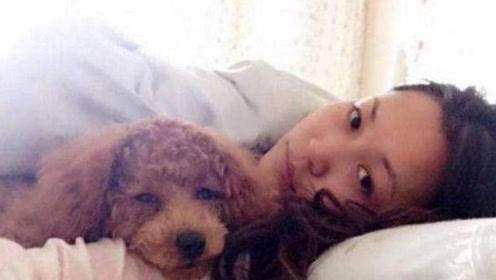 美女每天和狗同吃同睡,半年后突然腹痛难忍,去医院检查傻眼了!