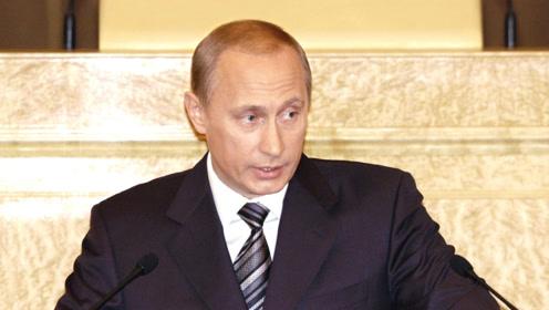 """普京身边被指曾潜伏美国间谍 俄回应:""""很像是低级小说"""""""