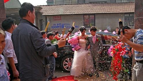 中国农村有这么一类人 他们去吃喜宴不用随份子还能拿红包