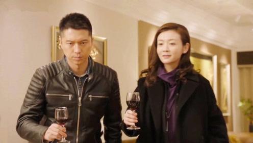 陆战之王:牛努力给岳母敬酒,惹得岳母一阵嘲笑,叶晓俊忍不住了