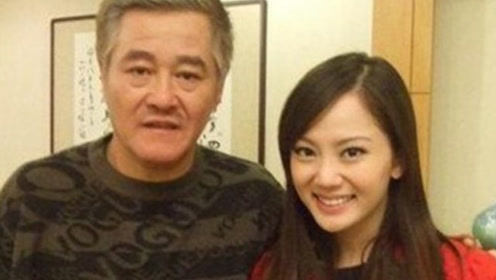"""她曾是赵本山""""最美女弟子""""受师父力捧,如今返回歌坛"""