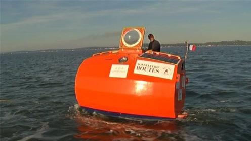 72岁老人用木桶做小船,独自驾驶环游世界,如今飘荡在大西洋!
