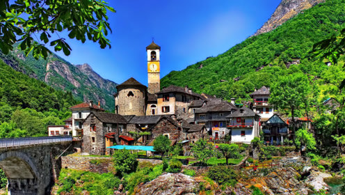 最奇怪的小镇:因风景太过美丽,禁止所有游客拍照!