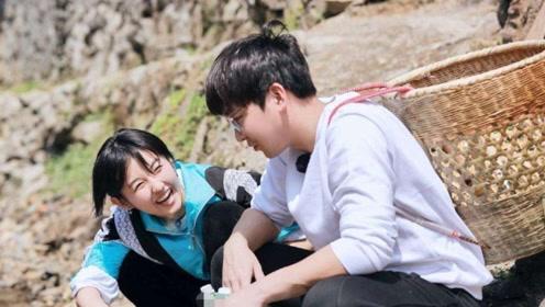 """张子枫彭昱畅关系亲密,被问""""什么时候结婚"""",俩人反应太有趣了"""