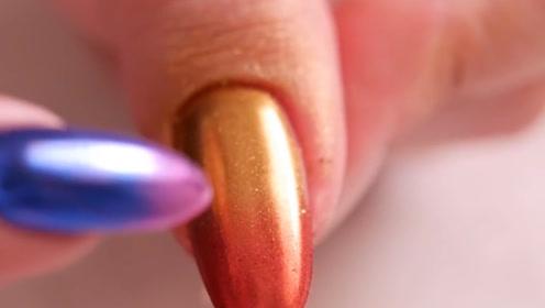 涂上美甲魔镜粉,能让指甲油换一个颜色,这也太值了!