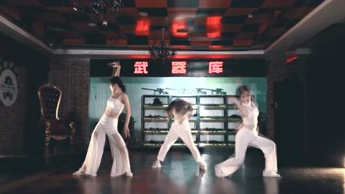 爵士舞《红衣女孩》成为摄魂夺魄的舞者