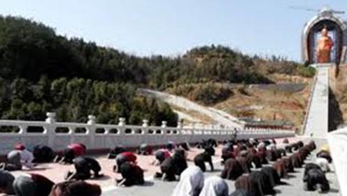 """中国最""""纯洁""""寺庙,上香拜佛全部免费,一种人禁止入内"""