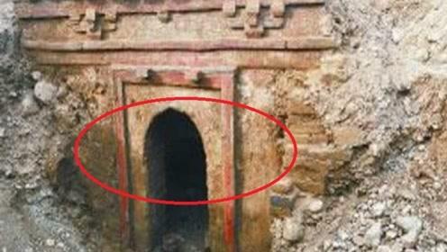 新疆千年棺木现世,开棺后冒出的东西,震惊整个考古界!