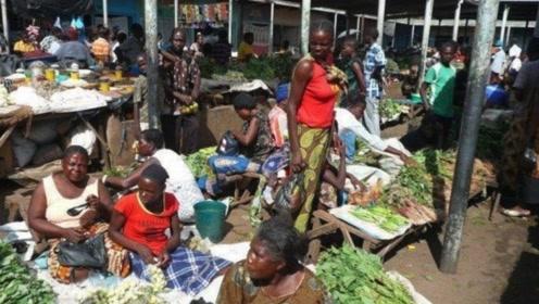 为什么非洲人那么穷?看了菜市场或才知道,有时怪他们自己
