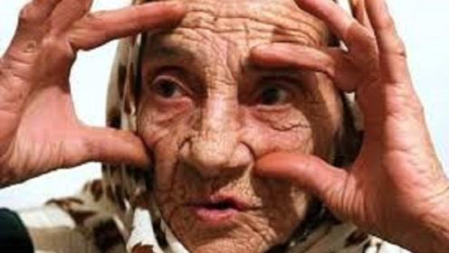 世界上最神奇的舌头,用它舔一下眼球,就能治疗各种眼疾!