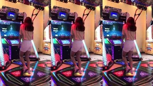 真佩服在跳舞机上跳舞的小姐姐,她们怎么这么会玩,而我只会乱跳