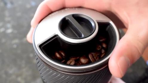 以为是个保温杯,只要放入咖啡豆后,十几分钟便能喝到香淳咖啡