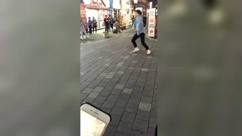 中国姑娘远嫁韩国的生活,在街边看到了街头表演,网友:厉害了