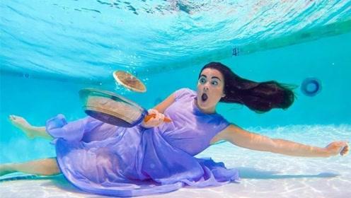 """美女能在水中生活,甚至还能做""""早餐"""",网友:太秀了!"""
