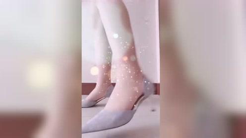 美女脚模的生活自拍:秋季该换职场女鞋啦,高跟鞋彰显知性美