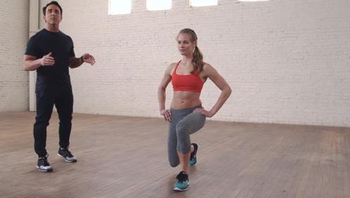 如何正确的做弓箭步?跟着健身美女一起练练看,保护你的膝关节