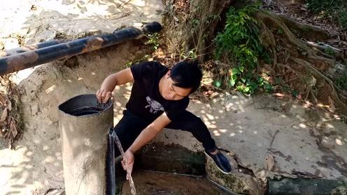 广东农村惊现一泉眼,常年流暖水,带有白色不明液体流出来
