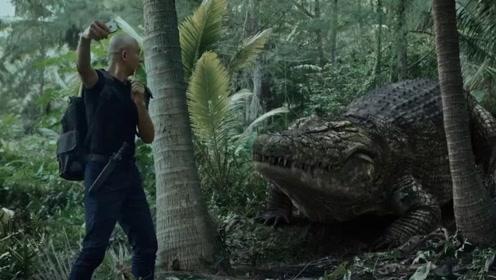 Vloger野外自拍惨遭巨大鳄鱼活吞!