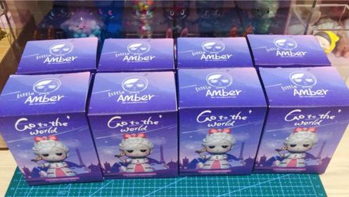 拆一款Little Amber世界系列盲盒,超级可爱!