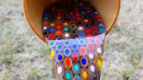 牛人教你用铅笔制作彩色瀑布,就像杯子流出彩虹,你肯定没见过