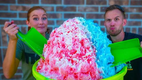 国外小伙制作90斤重的巨型冰沙,这也太会玩了!