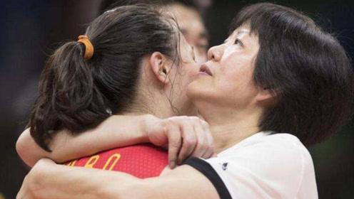 郎平本可以到国外拿高薪,为何留在中国女排?这番话戳心了