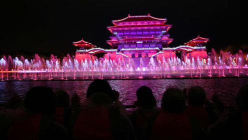 芙蓉湖里坐仿古游船看大型水舞光影秀《大唐追梦》,穿越到唐朝