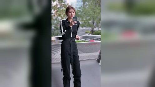 女孩子一个人在外面还是要注意安全,可能一不小心就多了个男朋友
