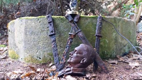 男子用磁铁探索古井,意外收获4把古剑和铜像,网友:发达了!