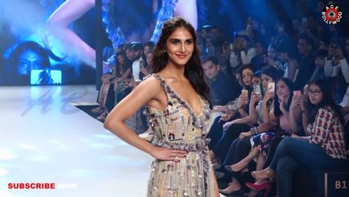 印度女星Vaani Kapoor在孟买时装周上着优雅礼服魅力走秀