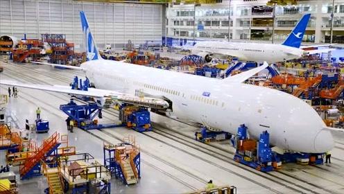 波音787客机制造组装过程,这么大的工厂还是第一次见,庞然大物
