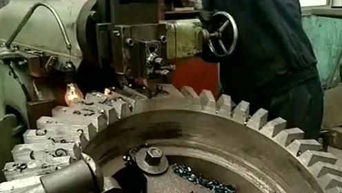 重温一下什么叫削铁如泥,中国的制造就是牛,技术领先国外数年!