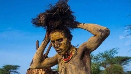 """全球最""""神秘""""的部落,与世隔绝万年,外人一旦接近会被无情射杀!"""