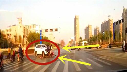 鬼火少年直行不减速,左转越野车毫不避让,瞬间车身撞碎!