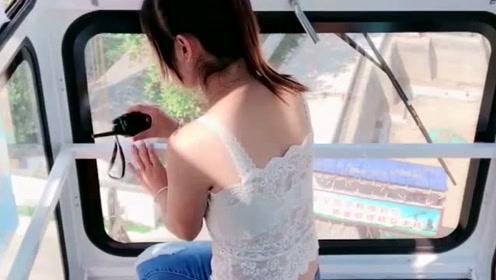 塔吊女司机招男徒弟,要满足这些要求,网友:真是一箭双雕!