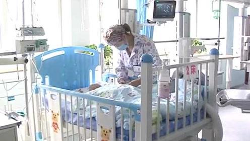 家长警惕!1岁女童误碰管道疏通剂,妈妈用水洗致娃多处灼伤