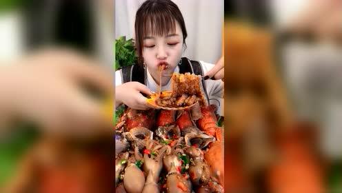 美食吃播:海里的辣面条