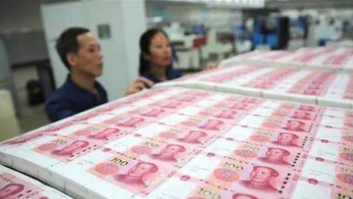 专门印钱的印钞厂,员工会不会偷偷拿钱出来花?看完才恍然大悟