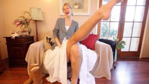 世界上最高的漂亮女孩,在家走路都要弯着腰,平时都没有合适的衣服穿!