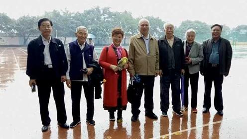 红岩厂500职工隔20年再聚,年长者已80岁:相约每年此刻再聚
