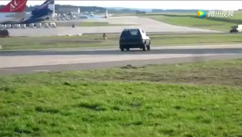 看看波音747发动机强大的推力,汽车都能直接给吹飞!