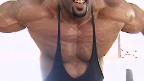 """健美界""""一代老将"""",234斤巨无霸,胸肌犹如艺术品"""