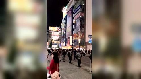 东京街头每天都大声中文广播,不知道日本人是什么感觉