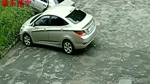 """女司机刚拿证就开车上路,监控拍下""""离谱""""过程"""