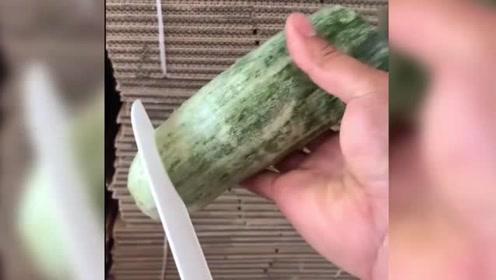 这水果是羊角蜜瓜吗?一刀切开真是太馋人了,网友:听说不甜!
