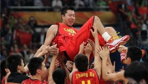 八一男篮表现不凡,主帅王治郅功不可没,球迷:这回李楠该下课了