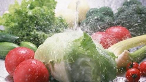 洗菜时放一勺它,农药残留杂质全清除,干净又健康