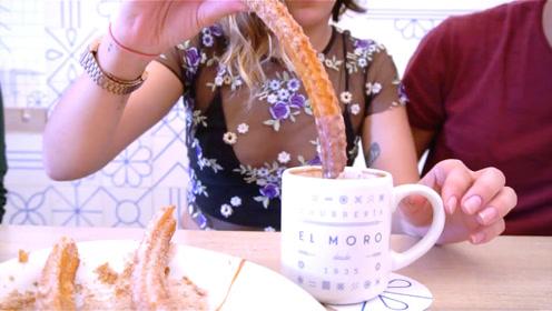 El Moro餐厅近百年历史的当家美食,酥脆有嚼劲现炸吉事果