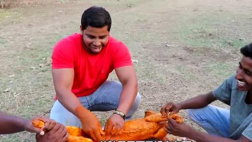 印度三哥买回来一只羊,涂满咖喱烤1个小时,出锅吃的太过瘾