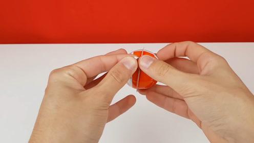 自制整人道具,在玩具内注射鸡蛋液,谁打开玩具谁倒霉啊!